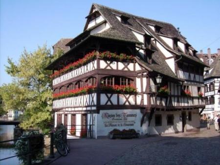 La Petite France Hotels